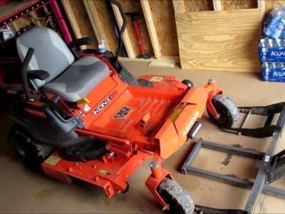 How to Change Blades on a Zero Turn Mower