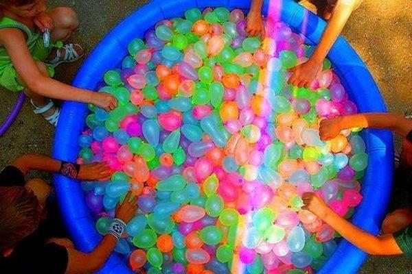 Water Balloon Fight Game