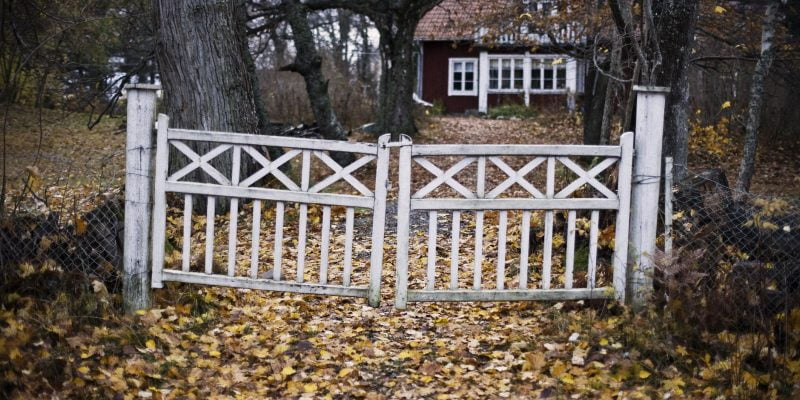 How Do You Stabilize a Gate Post?