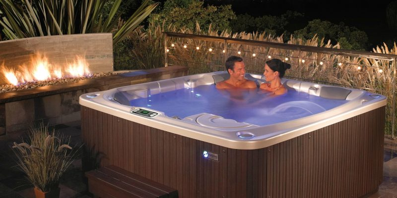 Jacuzzi Vs. Hot Tub – Everything You Need to Know