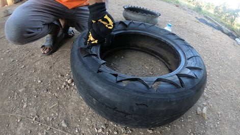 Making Small Triangle on Top of Tyre