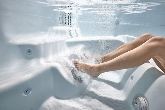 Massaging Jets hot tub