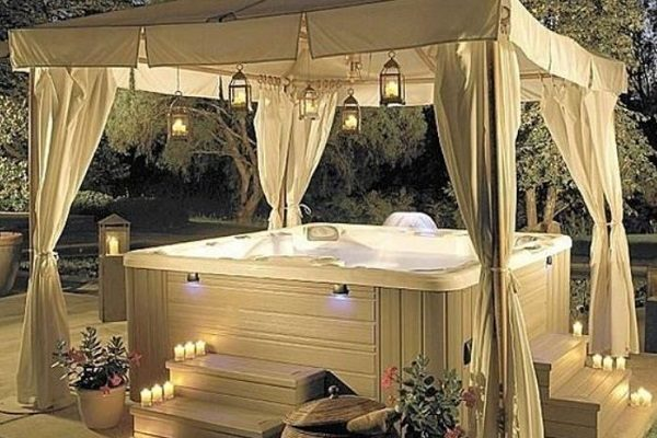 12 Mesmerizing and Attractive Hot Tub Enclosure Ideas