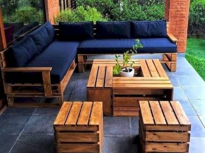 17 DIY Pallet Garden and Furniture Ideas