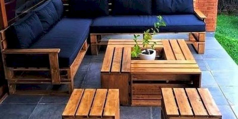 17 DIY Pallet Garden and Furniture Ideas
