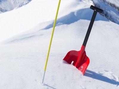 Best Avalanche Shovels – 2020 Review