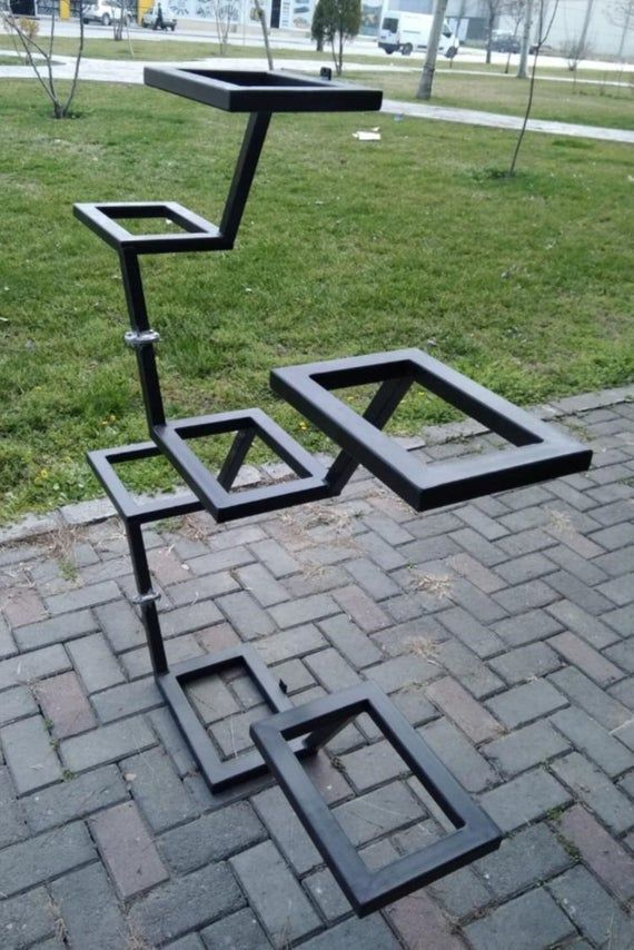 Classic Metal Stand