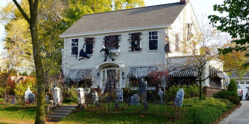 DIY Outdoor Halloween Decorations: Cute, Weird, and Spooky