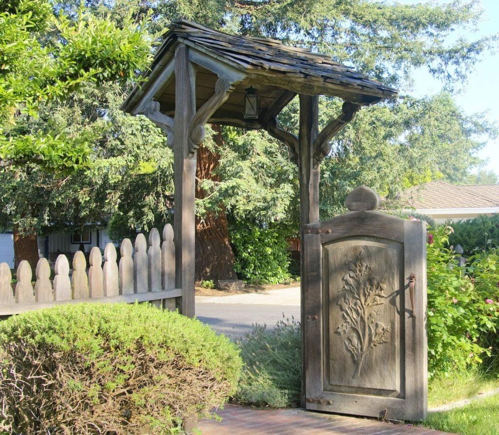 Gazebo Carved with Gates