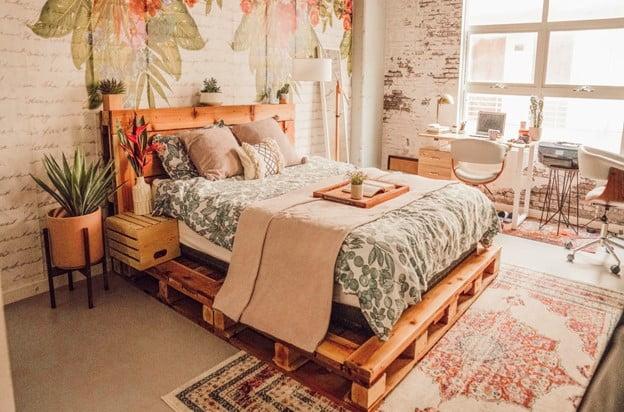Rustic Pallet Bed