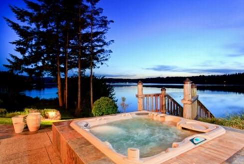 Waterview bathtub